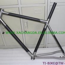УГЛЕРОДНЫЙ Титан Смешанная велосипедная Рама с thru через dropouts, изготовленный на заказ углеродно-титановый велосипедная дорожка, дешевая углеродно-титановый каркас