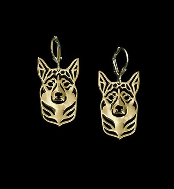 Ожерелье с подвеской в виде собаки золотого цвета