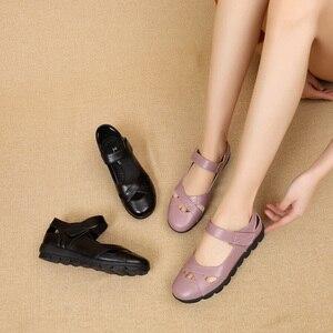 Image 5 - GKTINOO נשים של סנדלי 2019 קיץ חדש אמיתי עור גבירותיי נעל עור סנדלי נשים דירות רטרו סגנון אמא נעליים