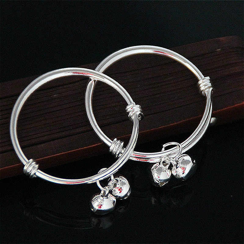 1pcs the Silver Baby Rattle Toys Soft Books Rustle Sound Infant Educational Stroller Toy Newborn Crib Bed Baby Toys