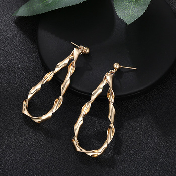 2019 new earrings fashion geometry anomaly contort earrings women's fashion earrings temperament exaggerate earrings image