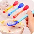 1 Conjunto Bebê Temperatura Sensing Colher e Garfo, segurança Silicone Talheres Alimentação Alimentador Utensílios Colher de Alimentação Do Bebê Talheres