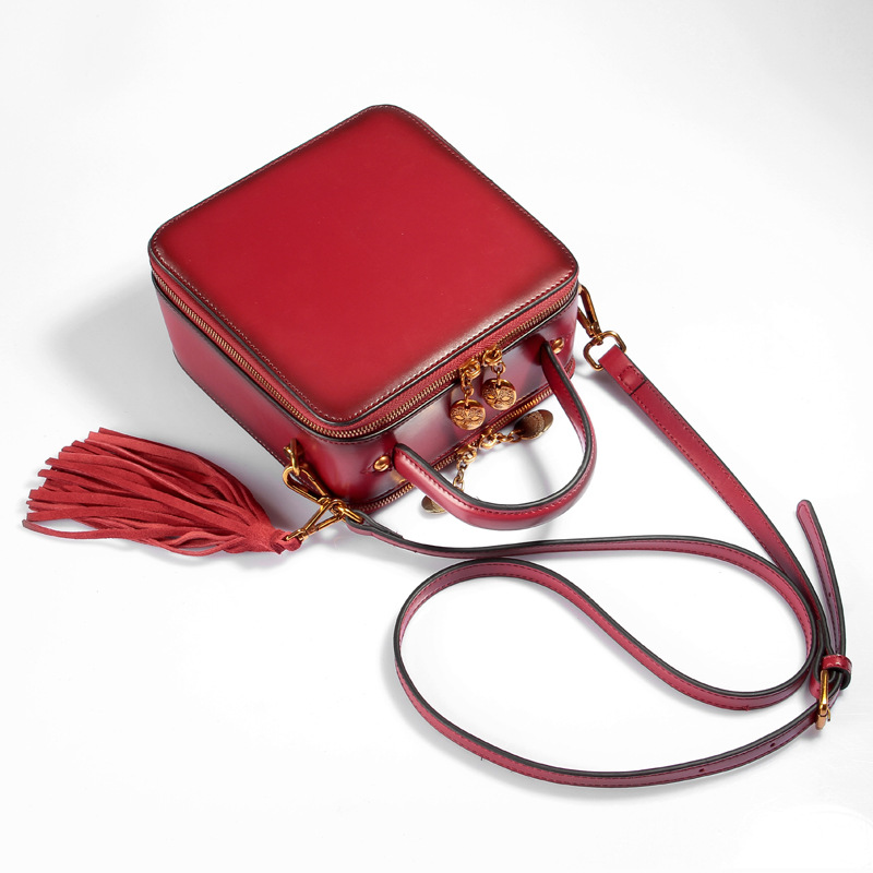 Exquisite 2017 Lady Handbags Women Messenger Bags Genuine Leather Tassels Cowhide Zipper Solid Ladies Mini Burgundy-red Bag lady handbags women messenger black bags genuine leather circular cowhide ladies mini luxurious diamonds new year party bag
