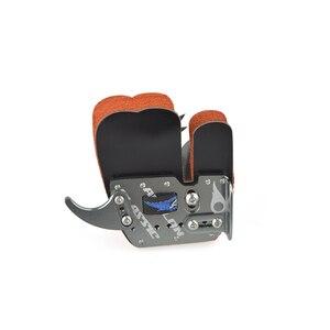 Image 3 - Tir à larc doigt gardes main droite en cuir en alliage daluminium protège doigts Camping en plein air chasse tir arc chaîne accessoires