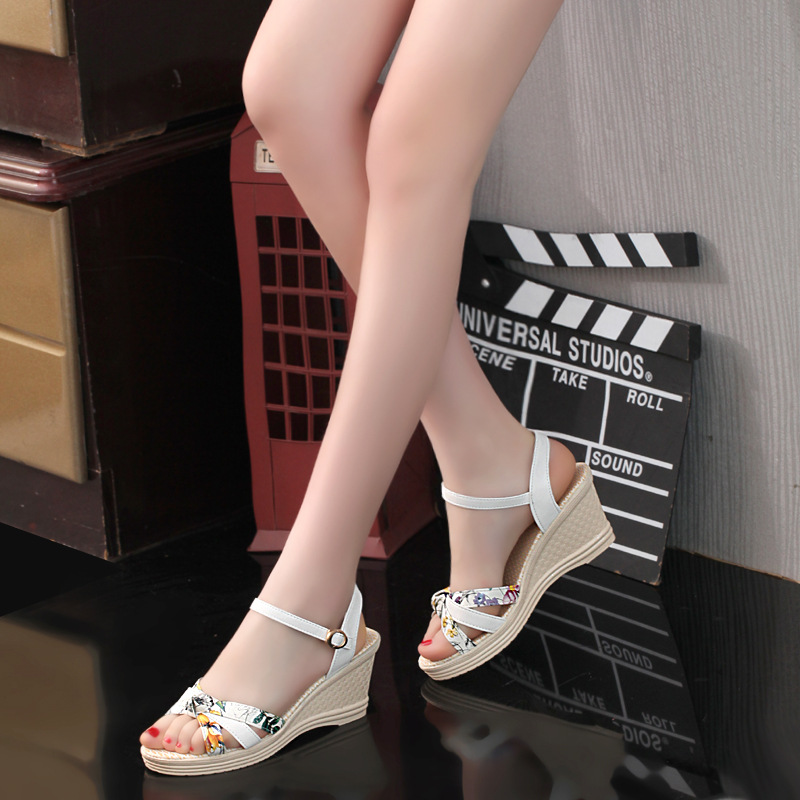2019 summer new Sandals women's High heels 7.5cm Wedges waterproof platform Buckle Female sandals Platform Sandals