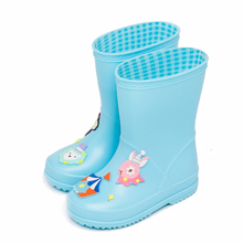Baby pojkar och flickor regnbågar Barn tecknade roliga vattentäta höga skor Mid-calf antiskid rainboots för barn