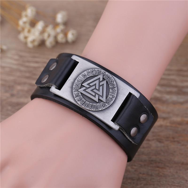 Skyrim Punk Leather Bracelet With Viking Runes Totem Metal Crafts Connector Charms Adjustable Vintage Wristband Leather Bracelet