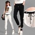 Спортивные штаны Бегунов Женщин 2016 Корейский Случайные Полосатый Шнурок Талии Трикотажные Брюки Хлопок Черный Белый Серый pantalones mujer