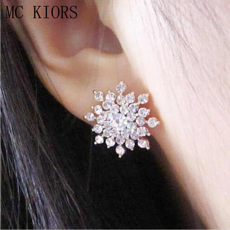 2018 Fashion Design Shiny Rhinestones Snowflake Big Stud Earrings Floral  Girls Earing For Women Wedding Party 9e7a84f292fc