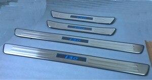Светодиодный Добро пожаловать педали Накладки для порогов Автомобиля Крышка для HYUNDAI I30 2007-2011