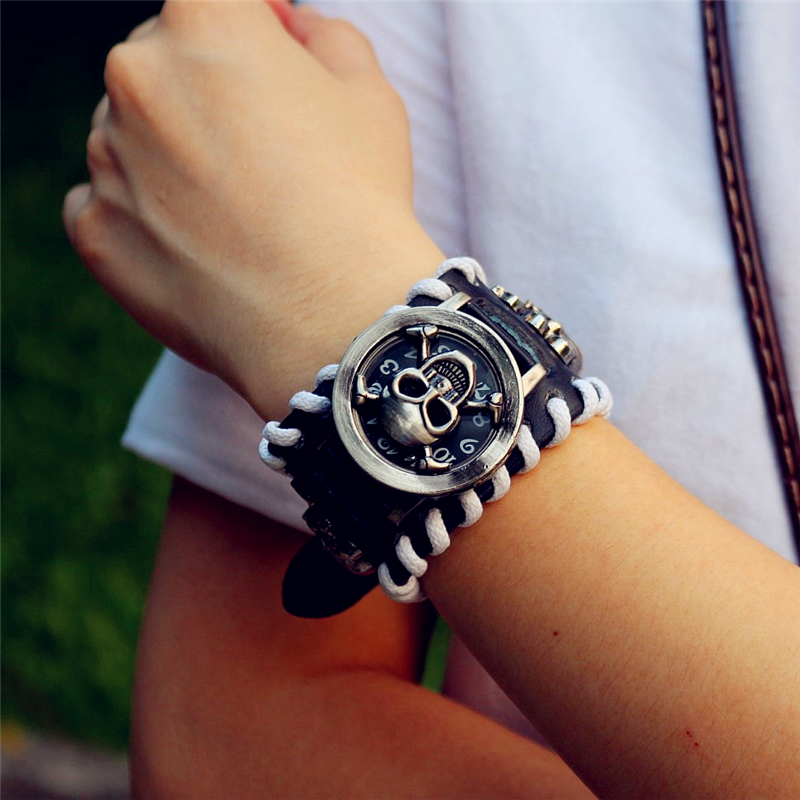 Promotion Man Skull Bracelet Retro Leather Pirate Quartz Watches Women New  Punk Flip Wristwatches