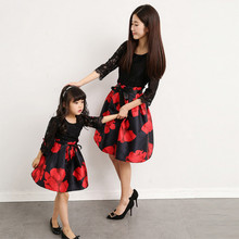Mommy Daughter Dress Matching Outfits Women Girl Baby Clothes Party Mama Mother and Me Clothing Family Look Dresses Photography family matching clothes brand women dress kids clothing outfits rose prints baby girl princess dress mother and daughter dresses