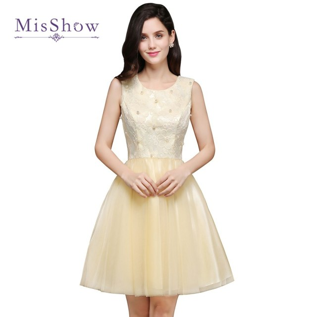 MisShow New Cheap Cute 8th Grade Graduation Dresses Junior High Short  Homecoming Dresses 2017 Lace Tulle Short Prom Dresses 52e385e26