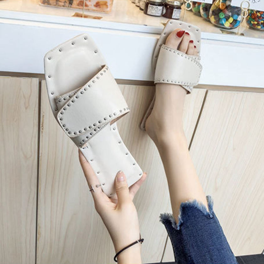 2019 Summer Fashion Women 39 s Slippers Summer Beach Casual Shoes Square Toe Crystal Outdoor Ladies Shoes Flat Flip Flops in Slippers from Shoes