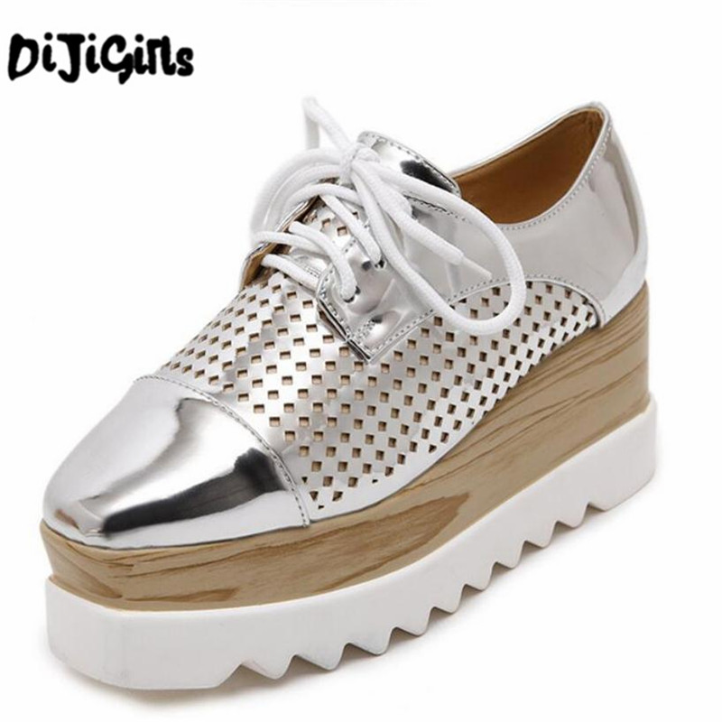 Women Platform Shoes Oxfords Brogue PU Leather Flats Lace Up Shoes Creepers Vintage Hollow Light Soles Silver Casual Shoes qmn women crystal embellished natural suede brogue shoes women square toe platform oxfords shoes woman genuine leather flats
