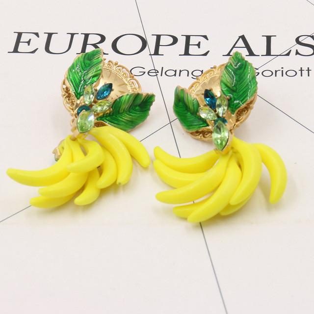 Top Qualidade Exagerado Barroco Banana Folhas Cristal gota Brincos Partido Jóias Brincos De Frutas Encantos Mostrar Cat Walk Bijoux