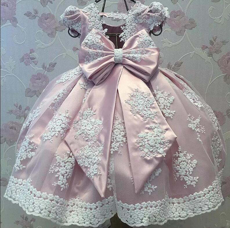 Cute Pink Baby Girls Birthday Gown with big Bow Long Flower Girls Dresses for Wedding Party Size 12-24M send envelope lace laser cut pink invitations cards for wedding free printing blank paper invitation card kit ribbons big bow