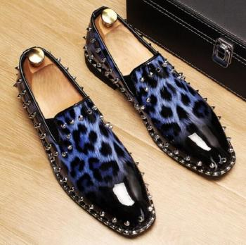 New mocassin Fashion Men Loafers Leopard patent letaher spike Wedding Dress Shoes Slip On Handmade leather Flats