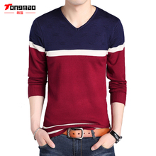 TONGMAO Brand 2017 Fall New V-neck mens knitted pullover Tops Slim wild men's sweaters Long sleeve spell color