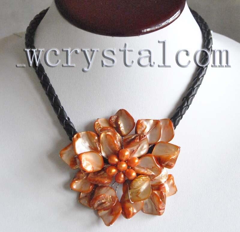 72d0d9226741 ⊰Naranja Conchas y perla cultivada una flor colgante collar hecho a ...