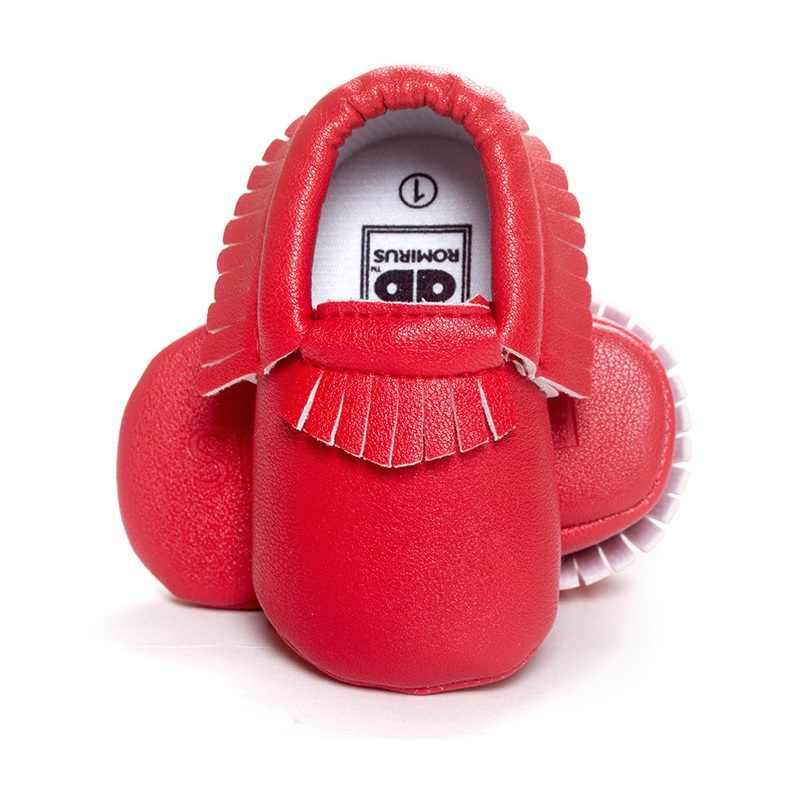 2016 Nuevo zapato de bebé hecho a mano con flecos suaves para niños primeros caminantes zapatillas de bebé mocasines para niños botas para niños