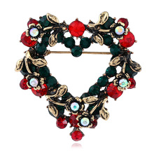 CINDY XIANG Colorful Rhinestone Heart Brooches For Women Vintage Christmas Jewelry Cute Pins Sweater Accessories New Style 2018