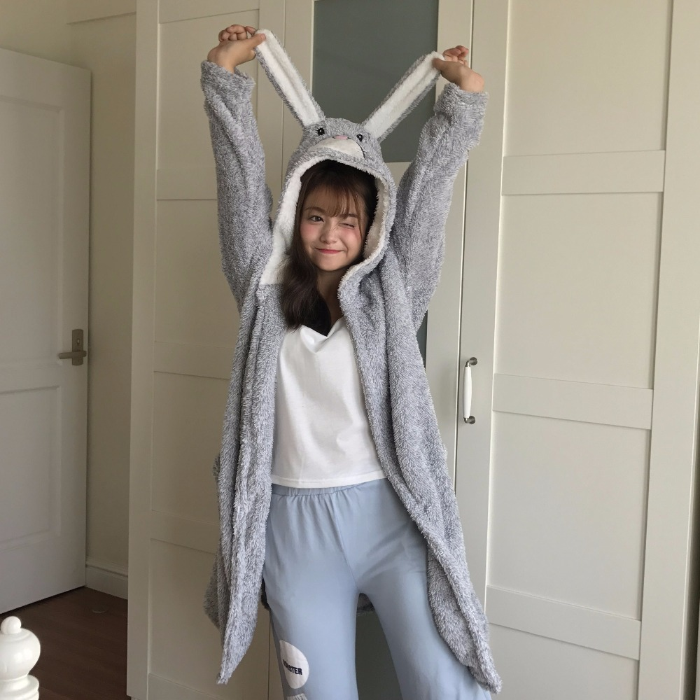 Winter thick Flannel hooded Bathrobe Women Cartoon fleece Spa Bath Robes Cute Nightgown Kimono sleepwear Peignoir Femme G110103