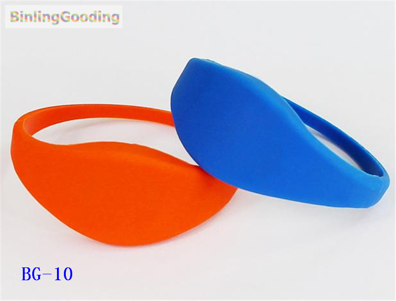 Shock-Resistant And Antimagnetic Access Control Radient Bg-10 100pcs/lot 125khz T5577/t5567/t5557 Rewritable Rfid Wristband Bracelet Copy Clone Id Card For Swimming Pool Sauna Room Gym Waterproof Access Control Cards