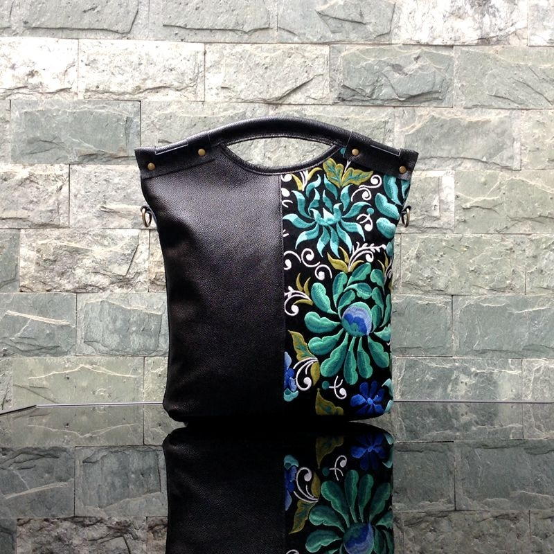 Femmes en cuir véritable sac à main broderie fleur Vintage épaule Messenger sac dame Totes fille voyage Top poignée sac sacs à main