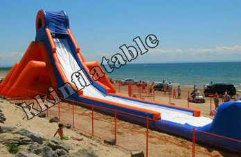 Super Long Inflatable Water Slide On Beaches The City