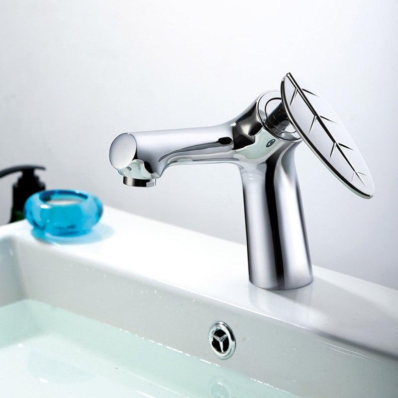 Facebassin robinet eau froide et chaude salle de bain meuble robinet salle de bain noir table bassin et haut lavabo robinet tout cuivreFacebassin robinet eau froide et chaude salle de bain meuble robinet salle de bain noir table bassin et haut lavabo robinet tout cuivre