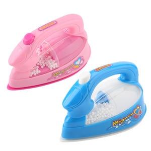 Image 1 - 1Pcs מיני חשמלי ברזל פלסטיק Safrty ורוד צעצועי אור למעלה סימולציה ילדים ילדי תינוק ילדה להעמיד פנים לשחק בית מכשירי צעצוע