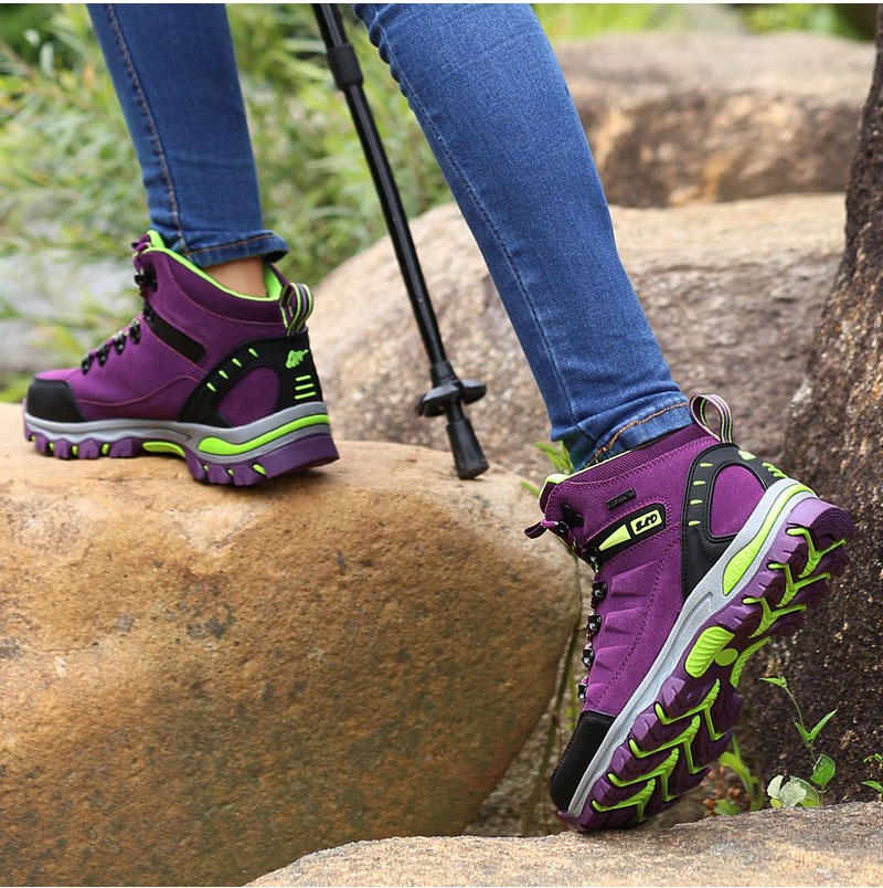 outdoor-hiking-boots-for-men-and-women (17)