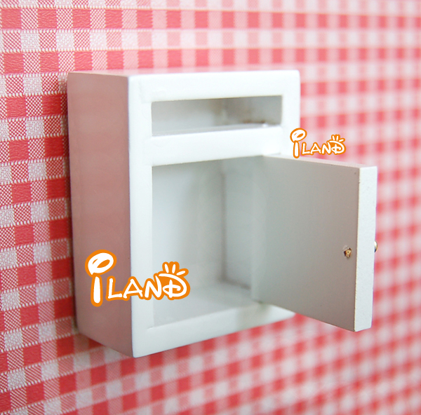 G05-X4627 children baby gift Toy 1:12 Dollhouse mini Furniture Miniature rement retro style wooden mail box 1pcs