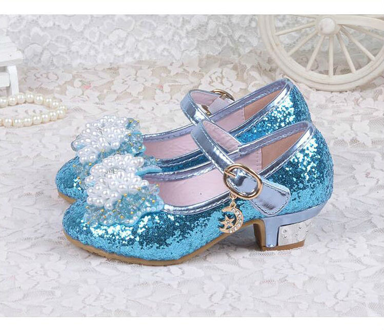Girl crystal shoes