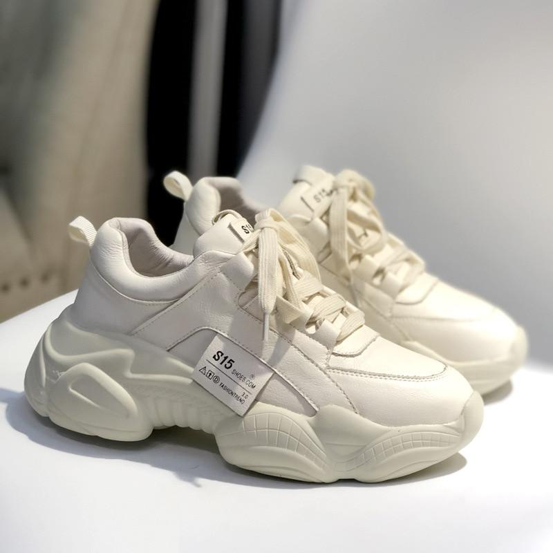 Livraison gratuite nouveau designer beige crème abricot peau de vache en cuir véritable femmes dame étudiant fille plate forme chaussures de sport-in Chaussures plates femme from Chaussures    2