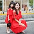 Оптовая 2017 новый длинном красном платье семья соответствующие наряды мама и дочь платье шифон платья для девочек сарафан dropshipping