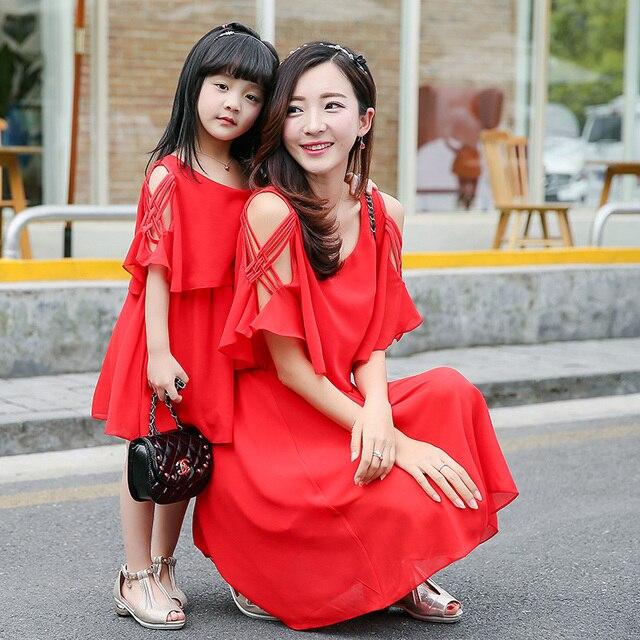 Comercio al por mayor 2017 nueva largo rojo vestido de trajes a juego de la familia madre e hija vestido vestidos de gasa para las niñas vestido de tirantes dropshipping