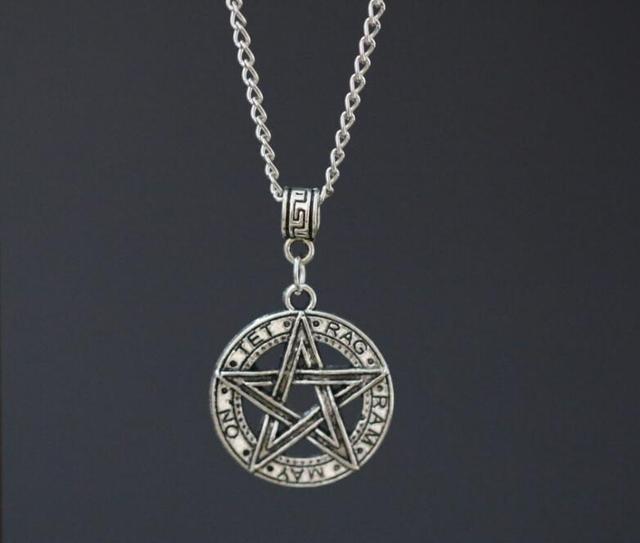 96ad0abfb4e1 1 unids pieza de amuletos paganos wiccanos collar de plata antigua  pentagrama estrella pentagrama encantos colgante