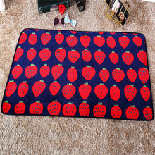100 x 70 cm Cute Warm Pet Bed Mat Cover Strawberry Printed Towel Cat Dog Fleece Soft Blanket For Small Medium Large Puppy Dogs