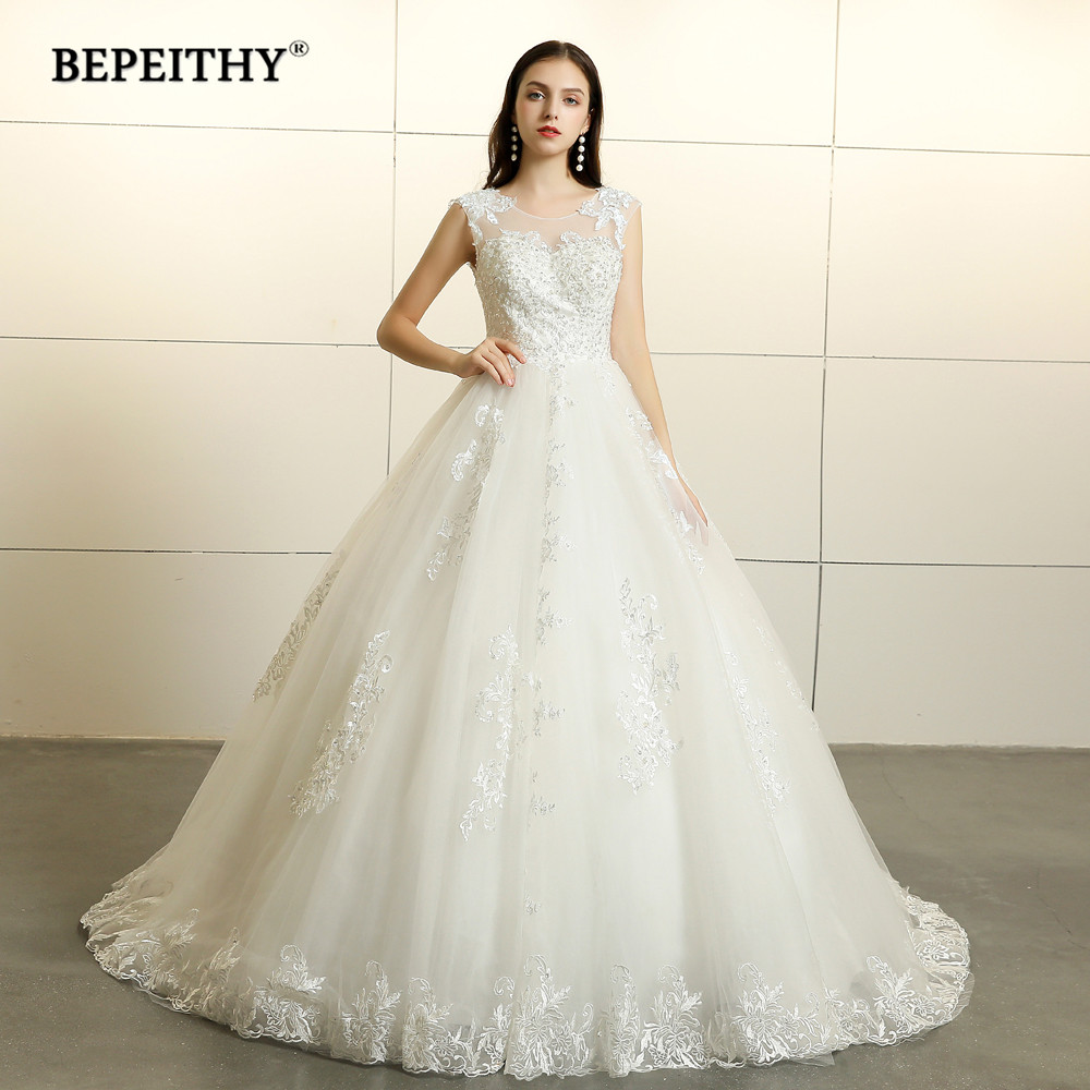 067c8f813ce7f New Arrival Three Quarter Sleeves Wedding Dresses 2019 Lace Vintage Court  Train Ball Gown Princess Bridal Dress Vesido De Novia