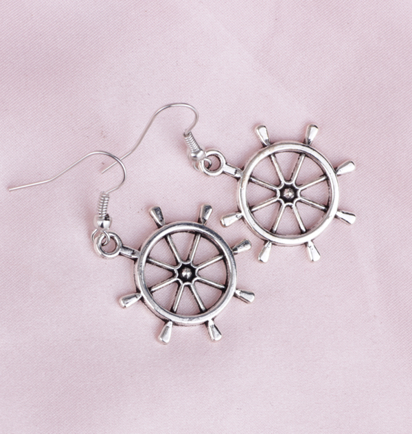 E012 Europe And America Fashionable Retro Earrings Personalized Punk Lovely Rudder Pirate Jewelry