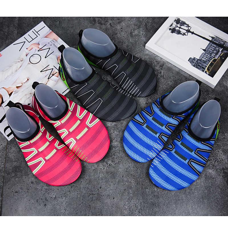 Ucuz Kadın Erkek Yaz Aqua Ayakkabı Plaj sörf Üzerinde Kauçuk Taban Yoga Çabuk kuruyan Şnorkel Yüzmek yürüyüş botları Çizgili su ayakkabısı