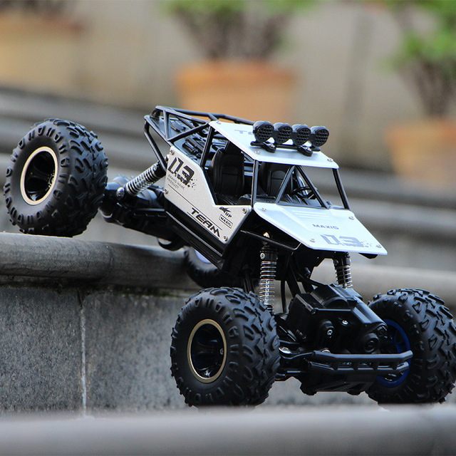 1:16 4WD RC Cars Alloy Speed 2.4G Radio Control RC Cars Toys Buggy 2017 High speed Trucks Off-Road Trucks Toys for Children Gift