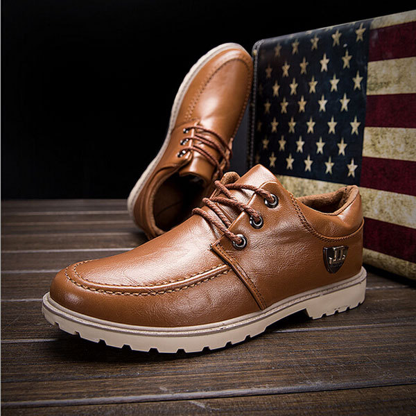 52026aa20acda Nice New Arrival Spring Casual Men Shoes Leather Breathable Fashion Flats  Outdoor Shoes For Men Man Flats XZ1181