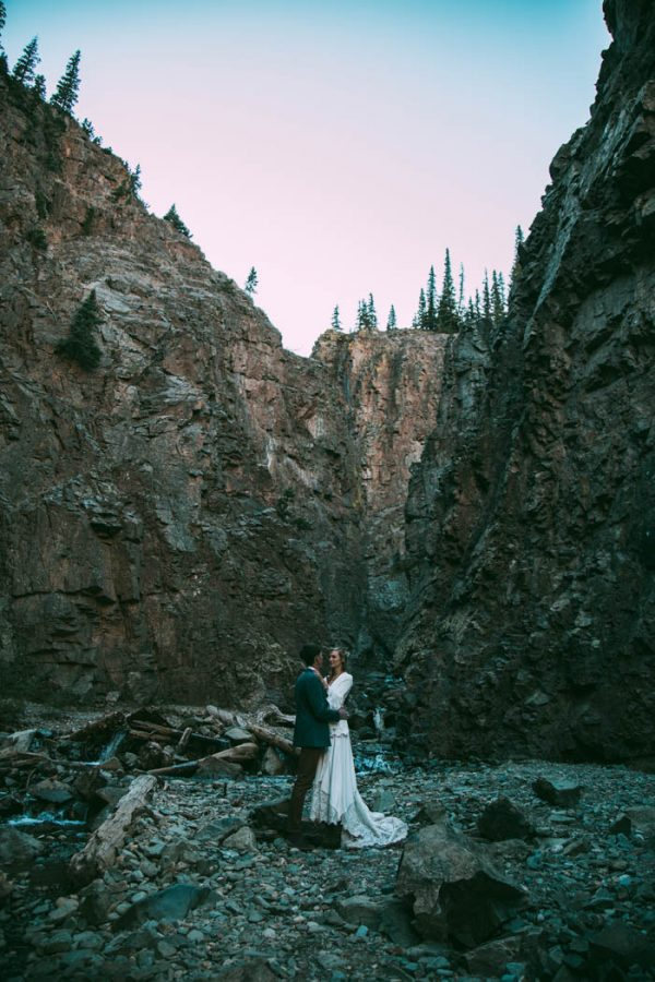 Intimate-Southwest-Colorado-Wedding-in-the-Mountains-Lauren-Parker-Photography-41-600x900