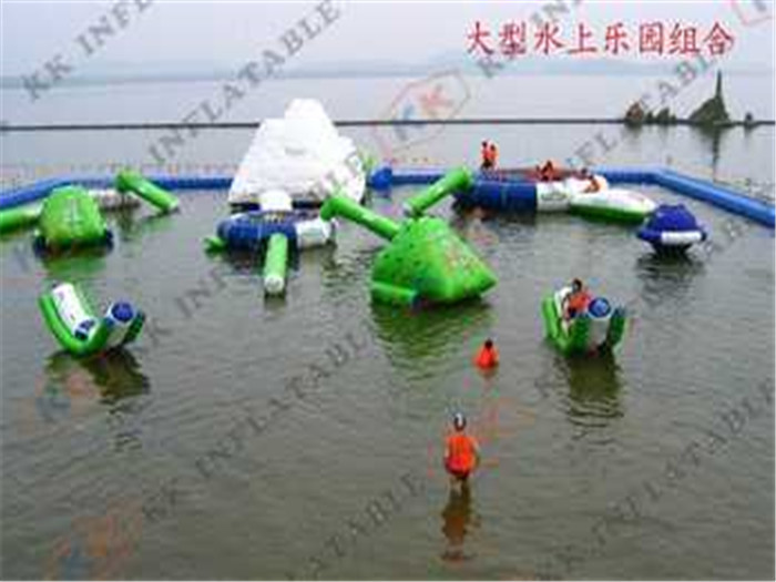 Inflatable Water Parks For water aqua restaurant equipment and facility