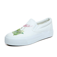 Spring Chinese Style Breathable White Shoes Low To Help Set Foot A Pedal Lazy Shoes Students Thick Platform Canvas Shoes
