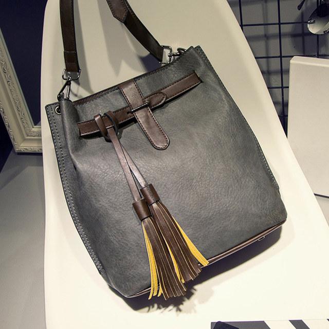 Tinkin Fashion Scrub Women Bucket Bag Vintage Tassel Messenger Bag Large Retro Shoulder Bag Simple Crossbody Bag