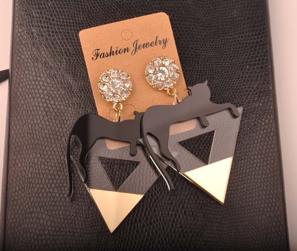 Gold color triangle Cat leopard head earrings 4